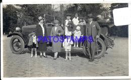 105487 AUTOMOBILE CAR AUTO SEDAN CONVERTIBLE & FAMILY YEAR 1925 PHOTO NO POSTAL POSTCARD - Non Classés
