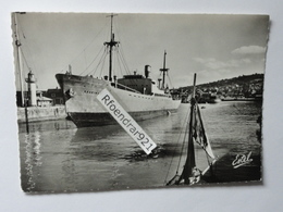 Cargo KAARINA,(Finlande) à HONFLEUR (Calvados) - Commerce