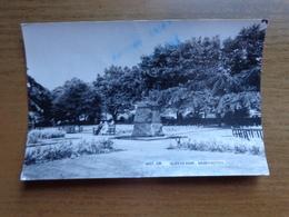 UK / Queens Park In Warrington --> Written - Autres