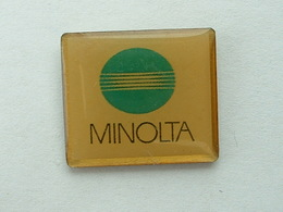 Pin's PHOTOGRAPHIE - MINOLTA - Photography