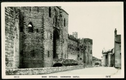 Ref 1252 - Real Photo Postcard - Grand Entrance Caernarvon Castle Wales - Caernarvonshire
