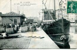 N°68260 -cpa Le Havre -la Hève à Son Poste De Chargement Place De L'arsenal- - Commerce