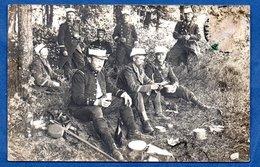 Carte Photo  -  Soldats Français Au Repos  -  Abimé ( Timbre) - War 1914-18