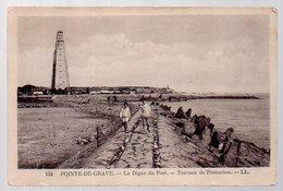 REF 360 - CP 33 Pointe De Grave La Digue Du Port - Autres Communes
