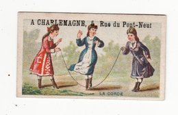 Chromo   A CHARLEMAGNE   Fille Et Corde à Sauter     Petit Format   6.7 X 4 Cm - Trade Cards