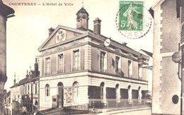 COURTENAY  -  L' Hôtel De Ville  -  Belle Carte - Courtenay
