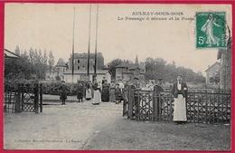CPA 93 AULNAY-sous-BOIS - Le Passage à Niveau Et La Poste ° Collection Moquet-Portelance * Chemin De Fer - Ferroviaire - Aulnay Sous Bois