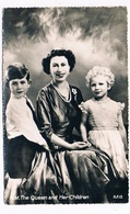 UK-3133  H.N. The Queen And Her Children - United Kingdom