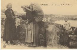 CPA -  LIMOGES - LAVEUSES DU PONT ST ETIENNE  - CECODI - REPRODUCTION - 1986 - Limoges