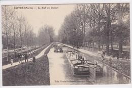 51 LOIVRE Le Bief Du Godart ,péniche Port Said Avec Chevaux Sur Le Chemin De Halage , Navigation Fluviale , Canaux - France