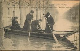 AVIATEUR DE LESSEPS ET LA BARONNE DELAGRANGE PARIS CRUE 1910 AVENUE MONTAIGNE - Aviateurs