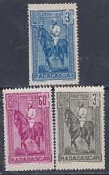 Madagascar N° 214 + 216 + 221 XX , Partie De Série : Les 3 Valeurs Sans Charnière, TB - Madagascar (1889-1960)