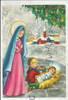 Buon Natale. Un Enfant Apporte Un Panier De Pommes à L'Enfant-Jésus. Vierge, Village Et Sapin. - Noël