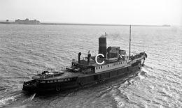 7X5 PHOTO OF LA BRETONAIRE DEPARTING QUEEN ELIZABETH AT CHERBOURG WITH CADILLACS - Boats