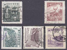 SUD COREA - 1955/1966 -  Lotto Composto Da Cinque Valori Usati: Yvert 163, 194, 306, 306L E 429, Come Da Immagine. - Corea Del Sud