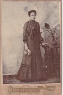 WOMAN IN ANTIQUE DRESS,ESTUDOI FOTOGRAFICO SIGLO XX ROSARIO. SIZE 11x16cm CIRCA 1880s VINTAGE - BLEUP. - Photographs