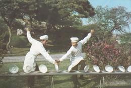 DIE FROHLICHEN MILITARKOCHE. PYONGJANG KDVR. NORTH COREA. CIRCA 1990s. NON CIRCULEE - BLEUP. - Korea, North