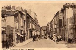 Ruffec  16   La Rue De Valence  Tres Tres Animée-Attelage Charette-Epicerie-Mercerie-Tabac-Journaux Et Café - Ruffec