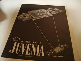 ANCIENNE PUBLICITE LHEURE DE TOUTE LA VILLE MONTRE  JUVENIA 1949 - Jewels & Clocks