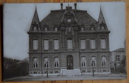 92 : Rueil - La Mairie - Ed. Calife - Carte Photo ? - Animée : Petite Animation - Plan Inhabituel - (n°13814) - Rueil Malmaison