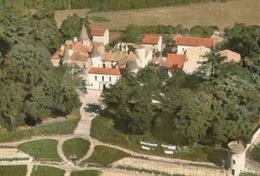 63) VIC-le-COMTE : Vue Générale Aérienne Du Château Des Quayres - Vic Le Comte