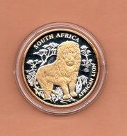 LIBERIA $10 2004 ZUID AFRIKA LEEUW  SILVER PROOF MET 24 KT GOUD EN BRILJANT IN OGEN ZEER KLEINE OPLAGE - Liberia