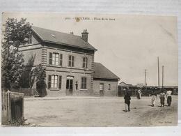 Saultain. Place De La Gare. Animée - France