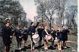 29 - La Clique De BLEIMOR  - ( Bagad Et Scoutisme) - Francia