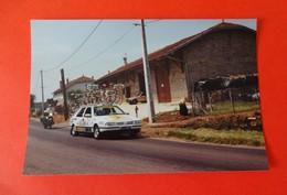 01 - MEZERIAT - PHOTO DU TOUR DE FRANCE 1991  - Voiture Avec Vélos - France