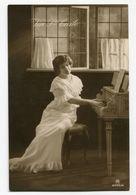 VIVE SAINTE CECILE Musique Piano Femme - Femmes