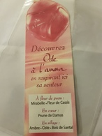 ANCIENNE CARTE PARFUMEE ODE A L'AMOUR - Perfume Cards