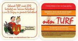 Gebrande TURF Sinds 2012. Initiatief Van Toerisme Kalmthout I S M De Caigny En Gemeente. Suske En Wiske. Bob Et Bobette. - Portavasos
