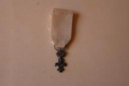 Medaille De L'ordre Du Lys 1814 Louis XVIII - Médailles & Décorations