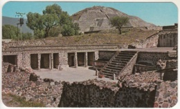 Messico Mexico Tempio De Las Mariposas Farfalle - Sfondo : Piramide Della Luna - Messico