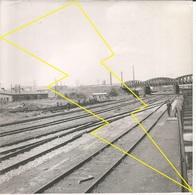 PHOTO AERIENNE HAGONDAN OU ENVIRON ? CONSTRUCTION Ligne Se Chemin De Fer USINE SIDERUGIE N°  Ph 4 ° - Autres Communes