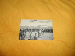 CARTE POSTALE ANCIENNE CIRCULEE DE 1911. / LATHAM PARTANT D'ISSY LES MOULINEAUX SUR SON MONOPLAN ANTOINETTE... - Issy Les Moulineaux