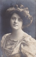 AK Frau In Kleid - Feldpost Wiederitzsch 1917 (38398) - Frauen