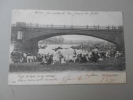 ANGLETERRE NOTTINGHAMSHIRE NOTTINGHAM TRENT BRIDGES DURING HOLIDAYS - Nottingham