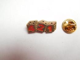 Beau Pin's , Jeu , 421 , Dés , Signé Decat - Games