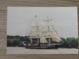BELEM - Retour à Nantes Pour Ses 120 Ans Passage En Loire En 2016  à Hauteur Du Pellerin Ref 1892 - Bateaux