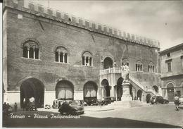 TREVISO PIAZZA INDIPENDENZA -AUTO E VESPE D'EPOCA -FG - Treviso