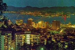 Hong Kong - And Kowloon At Night - Formato Grande Non Viaggiata – E 9 - Cina (Hong Kong)