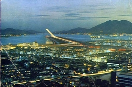 The Night View Of Kai Tak Airport With Its Modern Runway Illiminate - Formato Grande Viaggiata – E 9 - Mondo