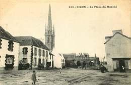 FINISTERE  SIZUN  La Place Du Marché - Sizun