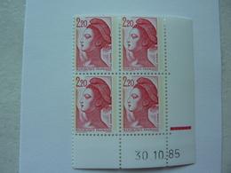 VARIETES  2376c Liberté 2,20 Rouge T II Papier COUCHE BLOC De 4 Coin Daté - Errors & Oddities
