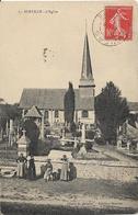 D27 - SURVILLE - L'EGLISE - Plusieurs Femmes Avec Un Chien Devant Le Mur Du Cimetière Et De L'église - France