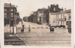 Gembloux - Chaussée De Charleroi - Passage à Niveau - Animé - Carte Photo 107 - Gembloux