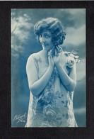 Femme Chica Frau Lady Girl / Jeune Fille / Série Bleuet 470 - Women
