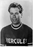 THEME Cyclisme Derek BUTTLE Pro De 1953 à 1955 Chez Hercules CPM Ed Coups De Pédales Asbl - Cyclisme