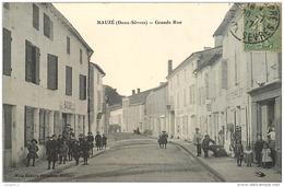 79 MAUZE Grande Rue CPA Ed. Mme Robet Hillairet - Mauze Sur Le Mignon
